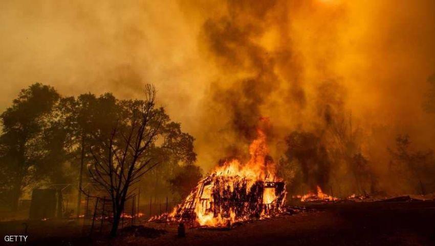 حرائق الغابات تلتهم كاليفورنيا.. تدمير 10 منازل وإجلاء عشرات الآلاف بالولاية