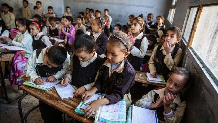 تفاصيل مبادرة «أولادنا في عنينا» للكشف الطبي على طلاب المدارس الابتدائية