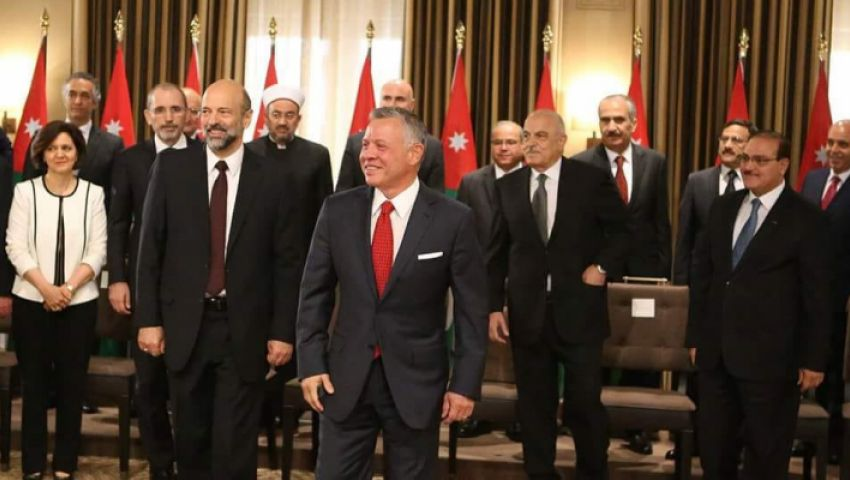 برحيل الحكومة أم حلُّ البرلمان؟.. كيف يحل الأردن أزمته الاقتصادية