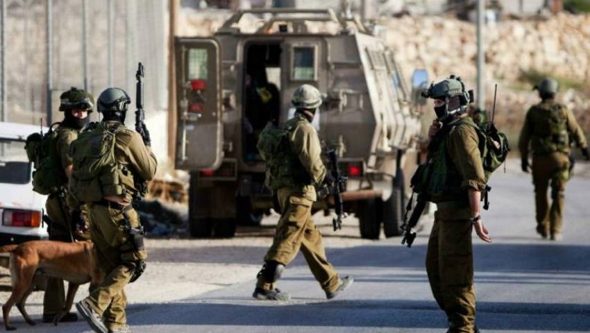 باقتحام المنازل والشعارات العنصرية.. جرائم الاحتلال تتواصل ضد الفلسطينيين