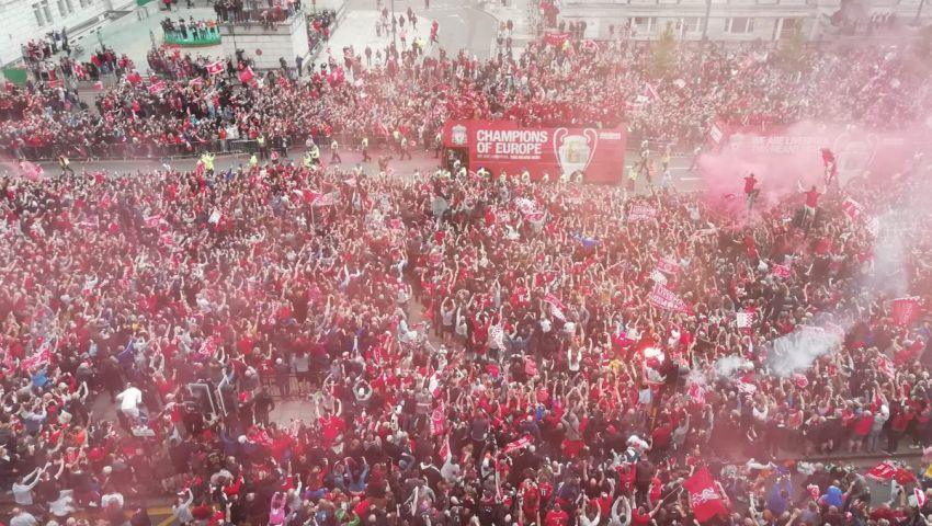 فيديو وصور| بعد استعادة المجد الأوروبي.. الاحتفالات تغزو شوارع ليفربول