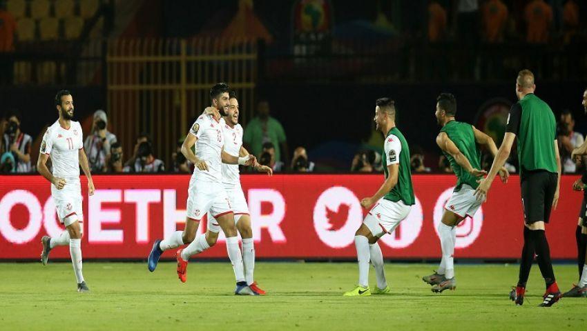 «فوز رائع و مقاتلون» .. تعليق نجوم الفن على صعود الجزائر وتونس للمربع الذهبي