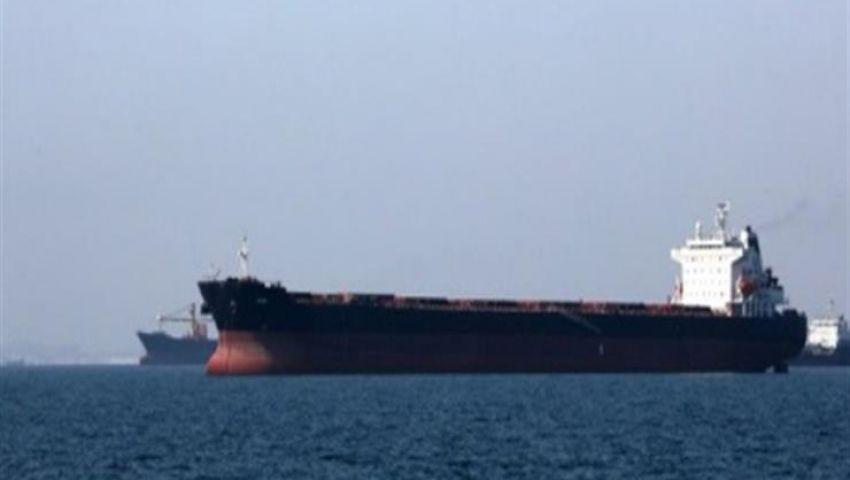 إيران تعلن إنقاذ 44 بحارًا من ناقلتي النفط في بحر عمان