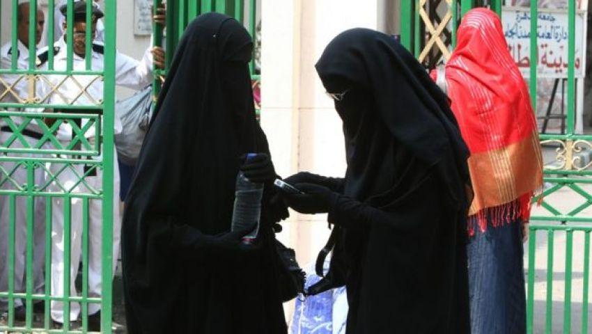 صحيفة إسرائيلية: مصر تدرس حظر النقاب لمواجهة الإرهاب