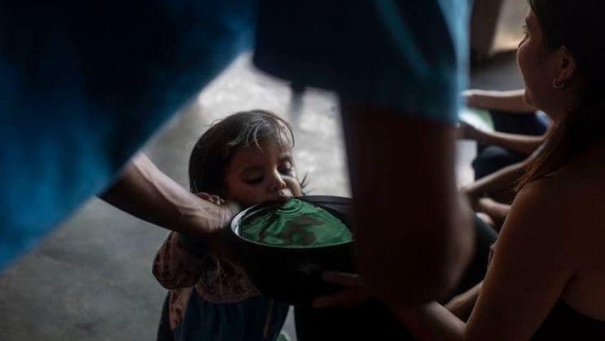 صحيفة أمريكية: بعد الرئاسة.. المساعدات تشعل معركة جديدة في فنزويلا