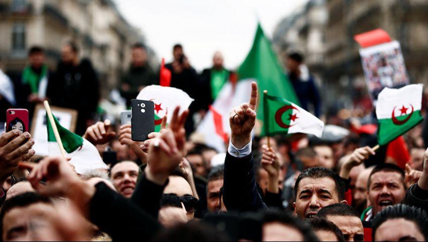الجزائر.. حشود طلابية تحتج على «تجاهل مطالب الشعب»
