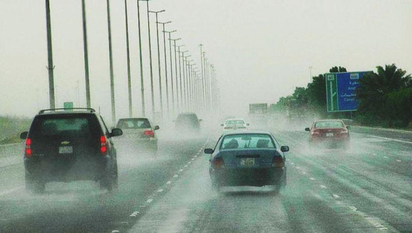 بالفيديو| رد فعل مواطن كويتي أغرقت مياه الأمطار منزله