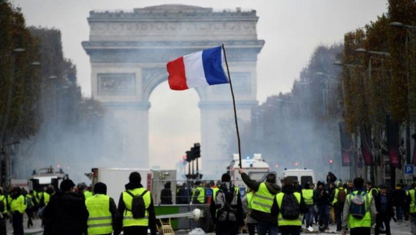 للأسبوع الـ15.. احتجاجات السترات الصفراء تتواصل في باريس