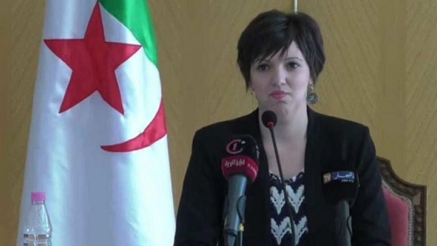 الجزائر.. استقالة وزيرة الثقافة إثر وفاة 5 في حفل غنائي (فيديو)