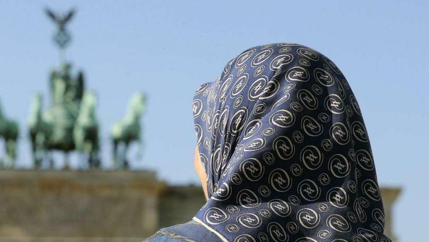 تاجيس شبيجل: هكذا خلعت أسماء الحجاب في برلين