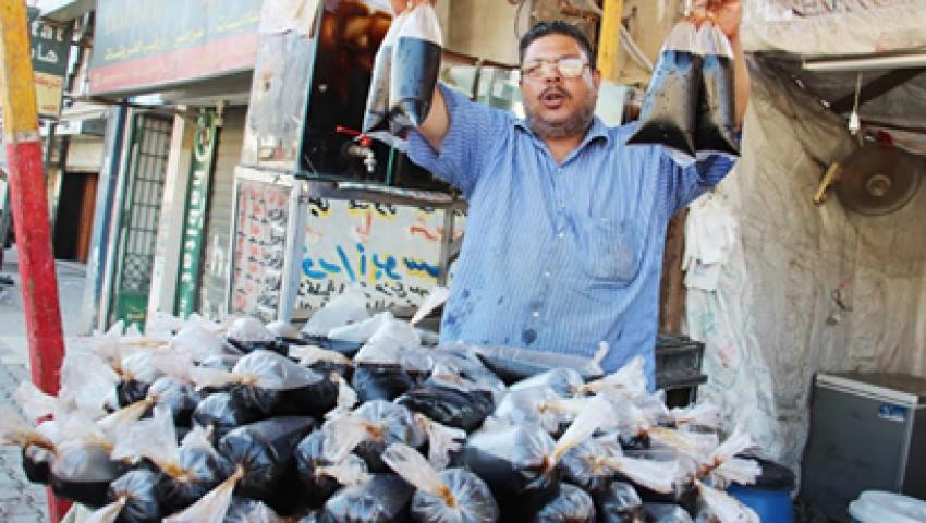 تمر وسوبيا وعرقسوس.. «عصائر رمضان» تروي ظمأ العطشانين وتنعش جيوب الباعة