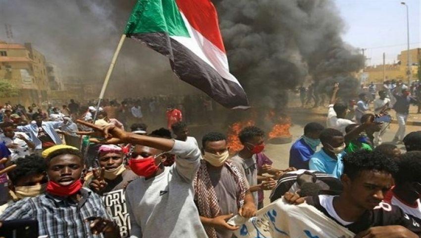 خيانة.. تطبيع السودان يشعل الأرض تحت أقدام البرهان وحمدوك