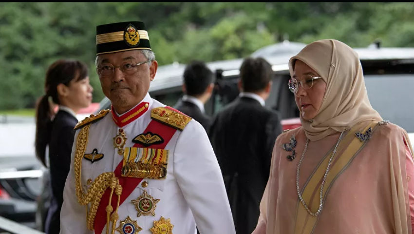 كورونا يقتحم قصر ماليزيا.. الملك والملكة في الحجر الصحي