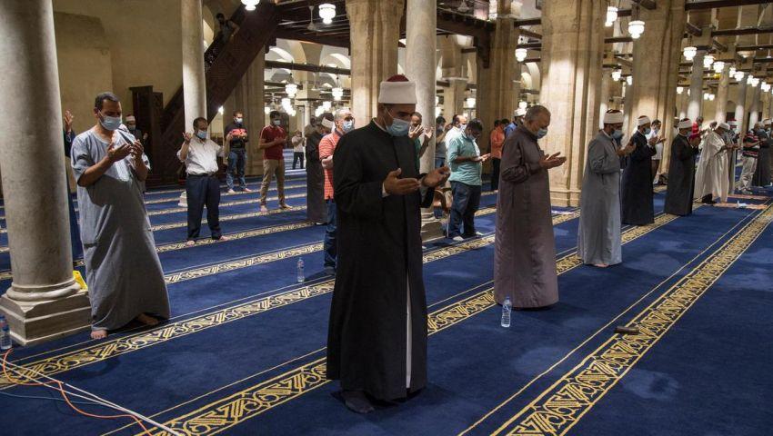 بعد تخطي الـ15 ألف إصابة بكورونا.. هل وصلت مصر لـ«الذروة الحرجة»