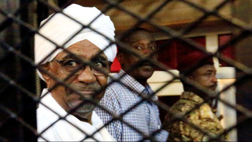 البشير وزملاؤه.. قصة «انقلاب الإنقاذ» من السلطة إلى الزنزانة