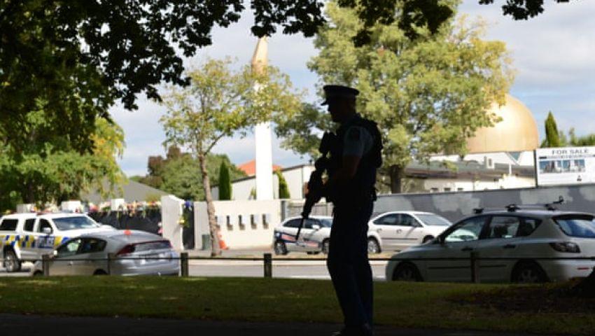 الجارديان: بعد الهجوم على المسجدين.. اليمين المتطرف يظهر بقوة في نيوزيلندا