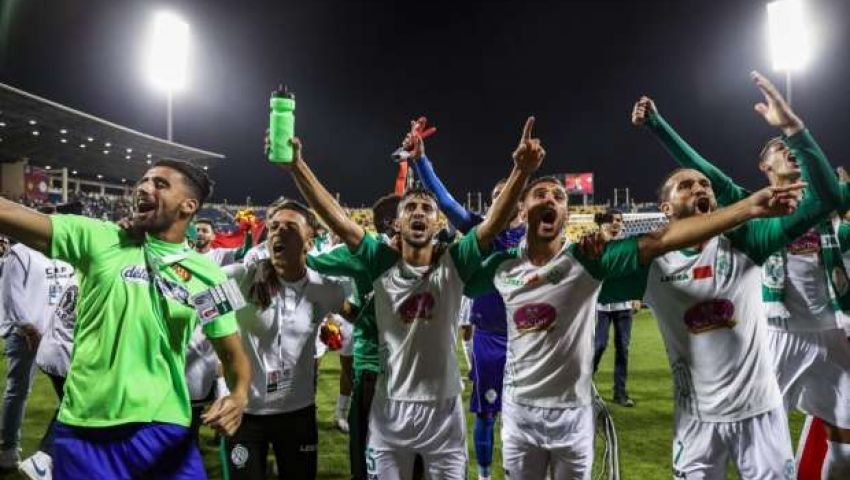فيديو| جميعهم من اللاعبين.. إرتفاع إصابات كورونا بصفوف الرجاء المغربي لـ16 حالة