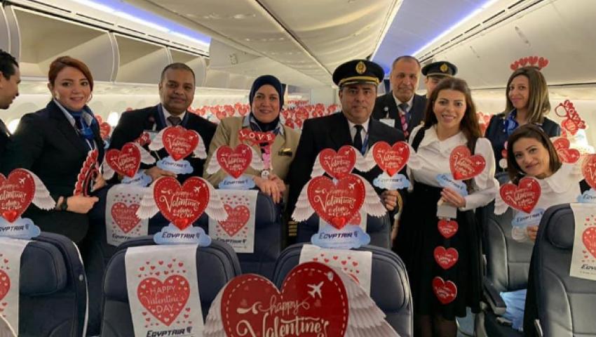 صور  ورد وخصومات.. «مصر للطيران» مع عملائها بعيد الحب 2020