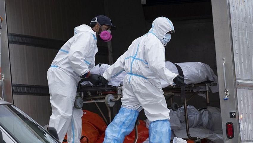فيديو| ماتوا بكورونا.. ضبط 100 جثة متحللة داخل شاحنات بنيويورك