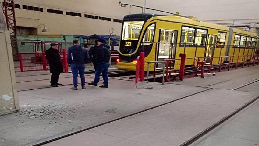 بالصور| به «واي فاي».. وصول أول ترام مكيف من أوكرانيا للإسكندرية