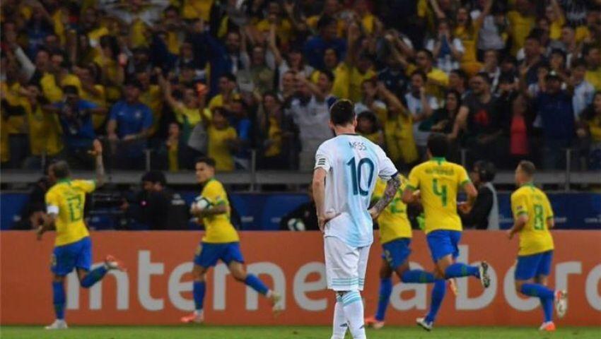 «البطولات توقفت عند مارادونا».. مباراة البرازيل والأرجنتين بـ كوبا أمريكا حديث «تويتر»