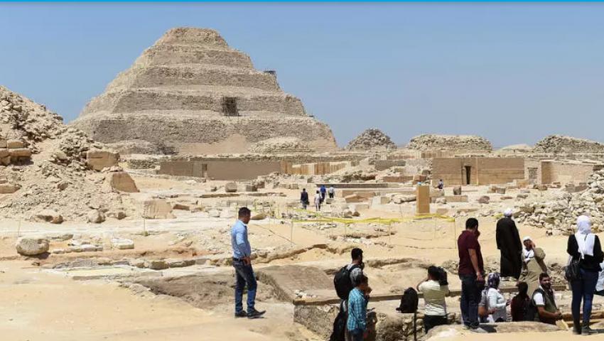 فرانس برس: هل تخفف اكتشافات سقارة «صدمات» السياحة؟