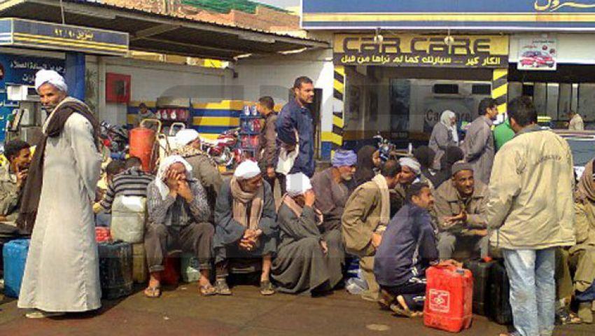 قنديل يناشد المواطنين: لا تقلقوا من أزمة الوقود